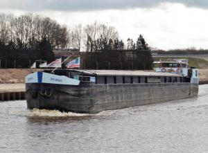 Photo of MAC KINLEY ship