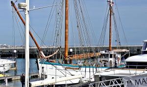 Photo of FLEUR DE LAMPAUL ship