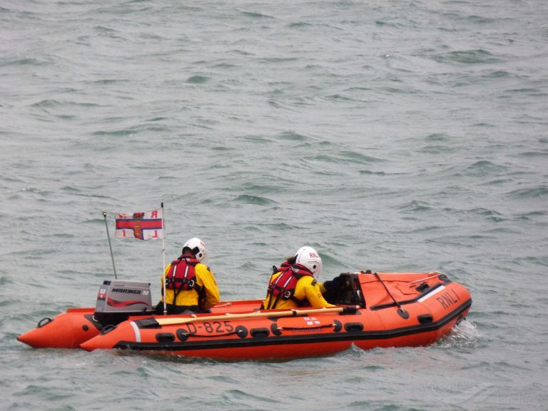 RNLI LIFEBOAT D-825 photo