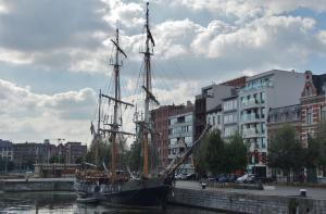 Photo of EARL OF PEMBROKE ship