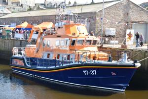 Photo of RNLI LIFEBOAT 17-37 ship