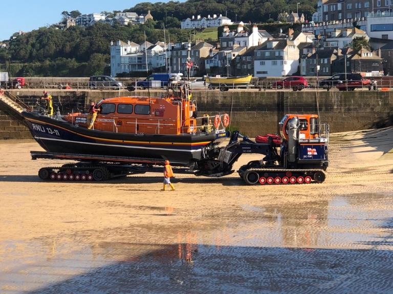 RNLI LIFEBOAT 16 04 photo