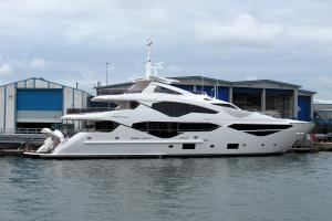 Photo of SUNSEEKER 131 ship
