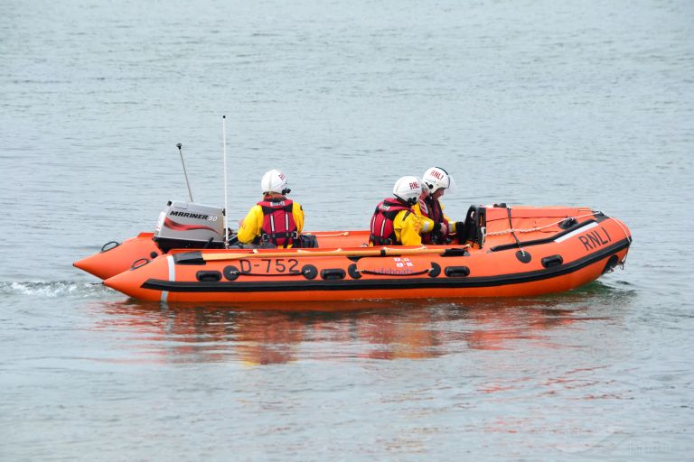 RNLI LIFEBOAT D-752 photo