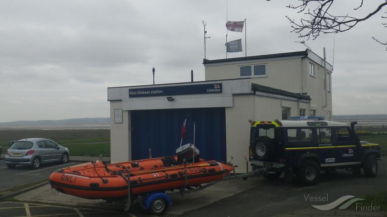 RNLI LIFEBOAT D-795 photo