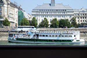 Photo of A BOSS ship