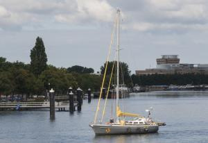 Photo of HEER BOMMEL ship