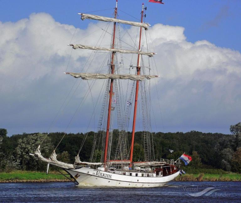 J R TOLKIEN (MMSI: 244496000) ; Place: Kiel_Canal