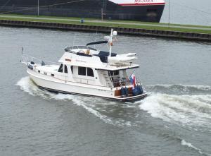 Photo of WILDE ZWAAN ship