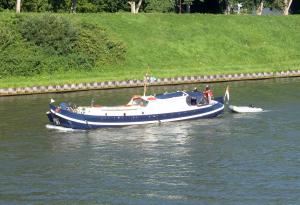 Photo of EIGEN WIJZE ship