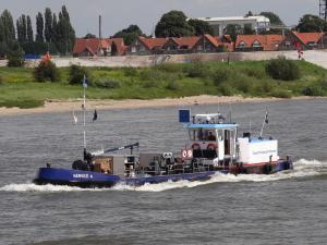 vessel photo SERVICE 4