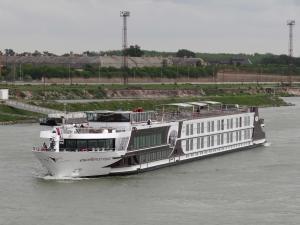 Photo of EXELLENCE ROYAL ship