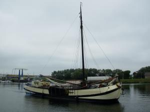 Photo of ALIDA GEZIENA ship