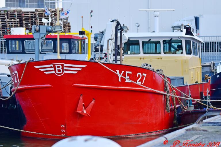 YE-27 PROSPER JULIEN photo