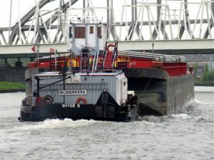 Photo of MOVER 2 ship