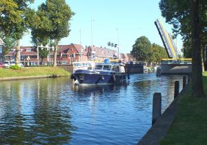 Photo of LINGE ship