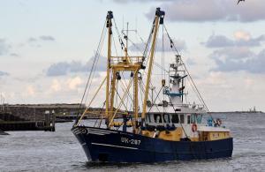 Photo of UK287 MAARTEN FETSKE ship