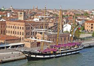 Photo of ITS PALINURO ship