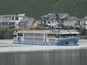 Photo of WT SONATA ship