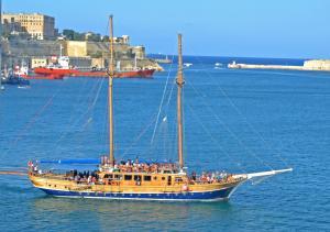 Photo of FERNANDES II ship