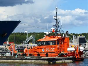 Photo of PILOT 120 SE ship