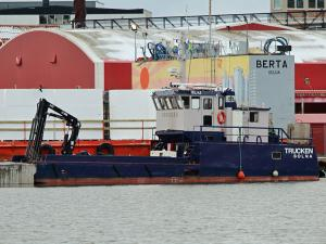 Photo of TRUCKEN ship