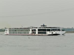 Photo of VIKING VAR ship