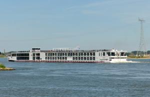 Photo of VIKING VIDAR ship