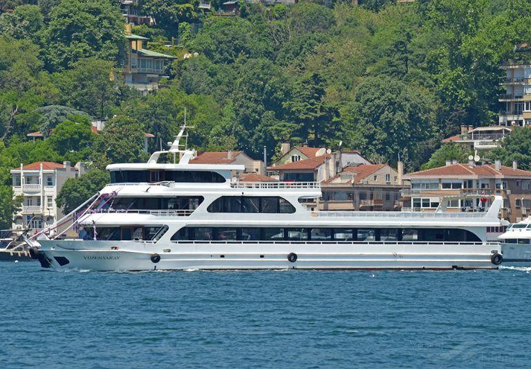 ship photo by Ahmet Ünlügil
