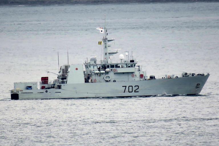 CDN WARSHIP 702 photo