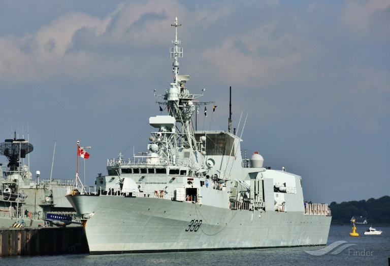 HMCS WINNIPEG photo