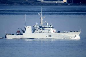 Photo of HMCS YELLOWKNIFE ship