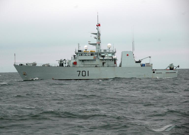 CDN WARSHIP 701 photo