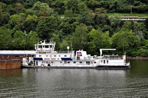 Photo of DANIEL P MECKLENBORG ship