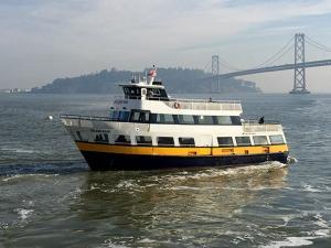 Photo of GOLDEN BEAR ship