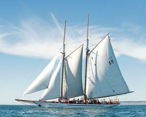 vessel photo SCHOONER ADVENTURESS