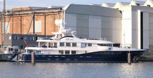 Photo of LA FAMILIA ship