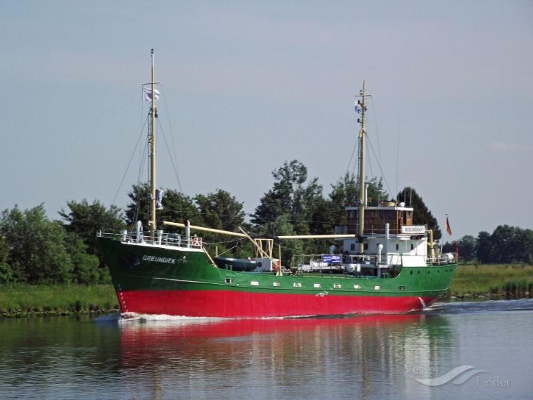 GREUNDIEK (MMSI: 211343480) ; Place: Kiel_Canal