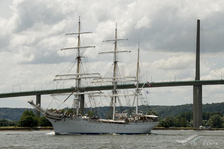 STATSRAAD LEHMKUHL, Training Ship - Detalles del buque y posición actual - IMO 5339248 MMSI 258113000