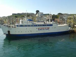 Photo of DON PEPPINO ship