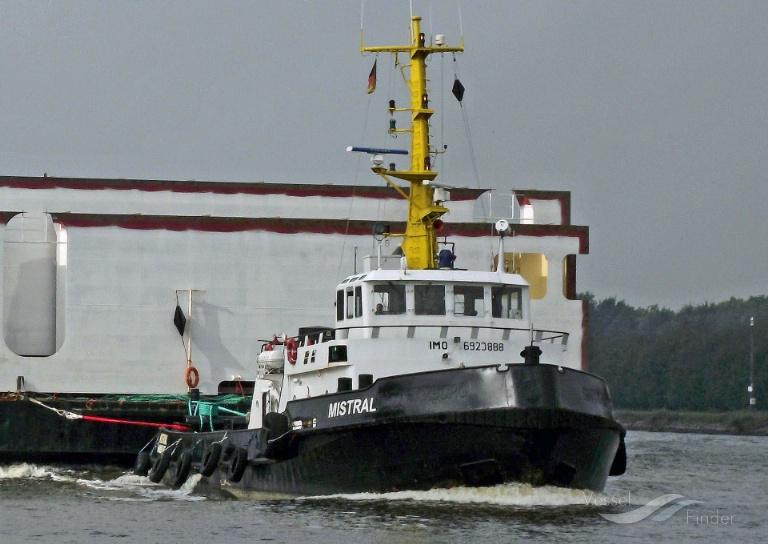 MISTRAL (MMSI: 211366340) ; Place: Kiel_Canal