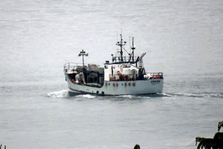 ship photo by Dennis Temlin