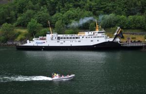 Photo of VEOY ship