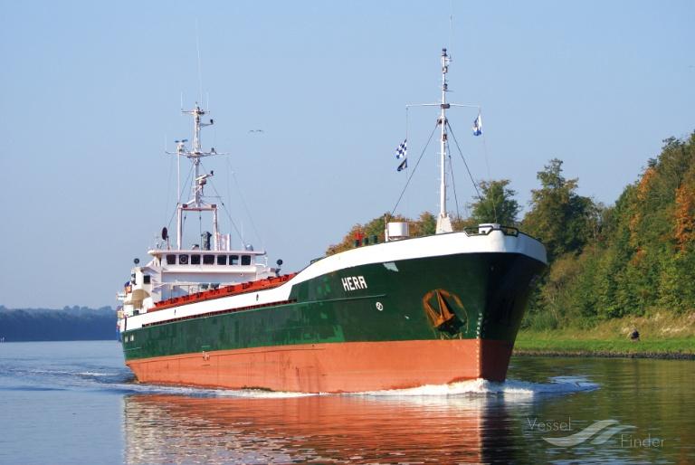 HERA (MMSI: 0) ; Place: Kiel Canal