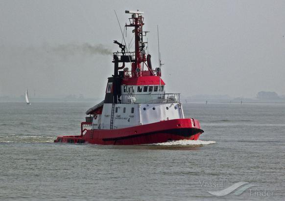 ADRIATIK (MMSI: 201100147) ; Place: Vor Cuxhaven/Elbe, Germany