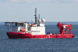 Photo of DEEPSEA WORKER ship