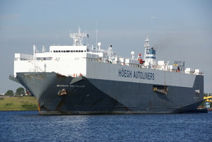 Photo of HOEGH TRAVELLER ship