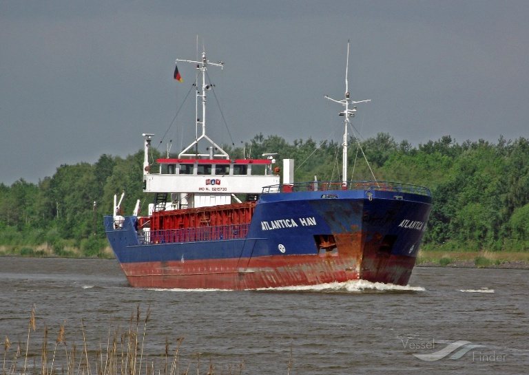PEAK ANTWERPEN (MMSI: 311164000) ; Place: Kiel_Canal/ Germany