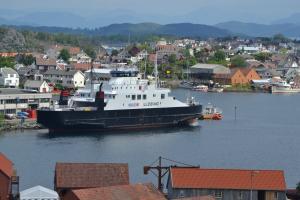 Photo of ULLENSVANG ship