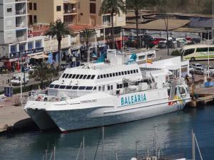 Photo of FORMENTERA DIRECT ship